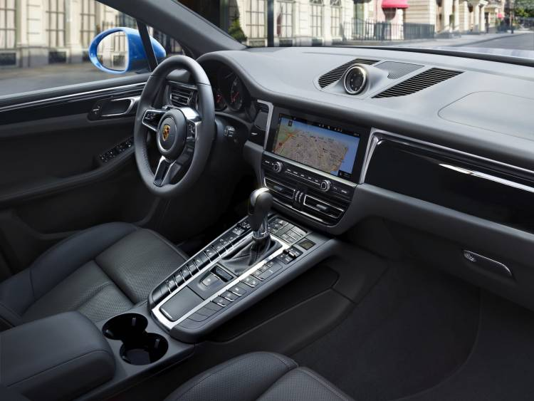 Porsche Macan 2019 P18 0531 A3 Rgb