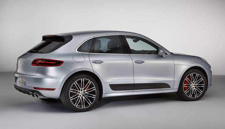 porsche-macan-turbo-performance-package-2017-02