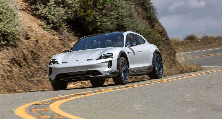 Porsche Mission E Cross Turismo 0320 005