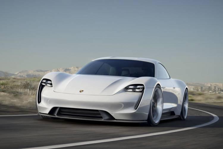 El nombre el primer eléctrico de la marca — Porsche Taycan