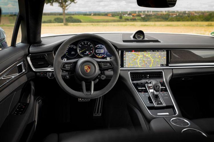 Porsche Panamera 2021 1220 105