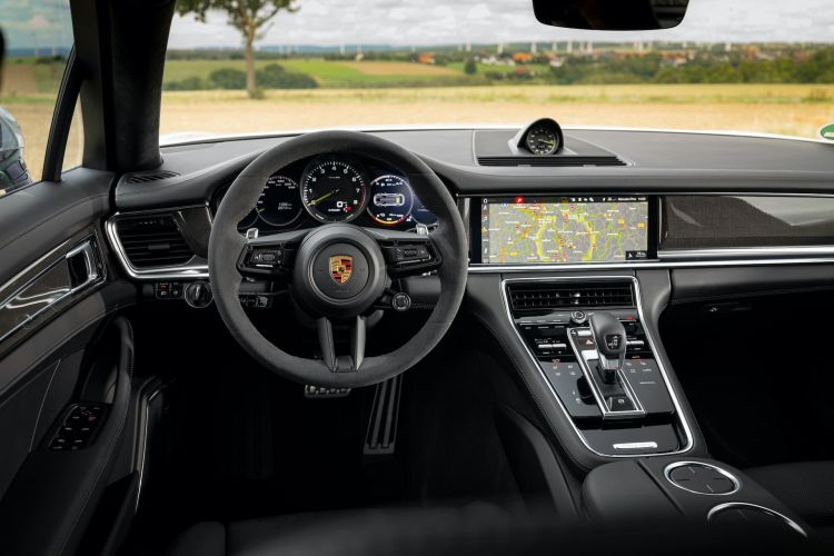 Porsche Panamera 2021 Interior3