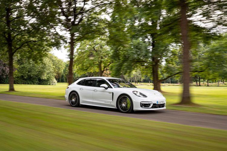 Porsche Panamera 4s E Hybrid Sport Turismo 2021 44