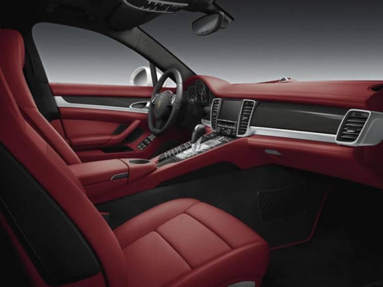Porsche Panamera 4S Middle East Edition