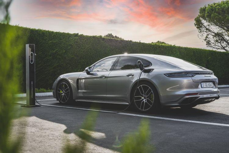 Porsche Panamera Hibrido Recarga 3