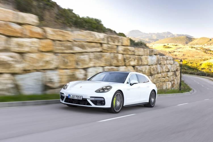 Porsche Panamera Sport Turismo 1048