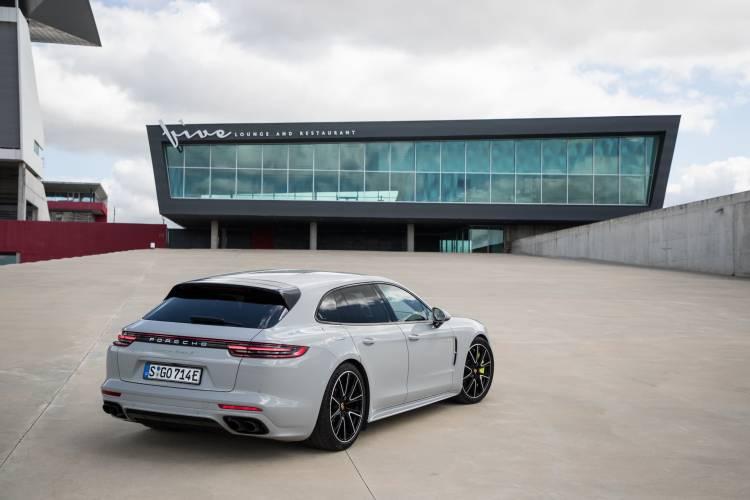 Porsche Panamera Sport Turismo 1051