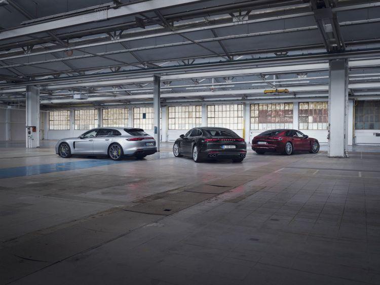 Porsche Panamera Turbo S 2021 1
