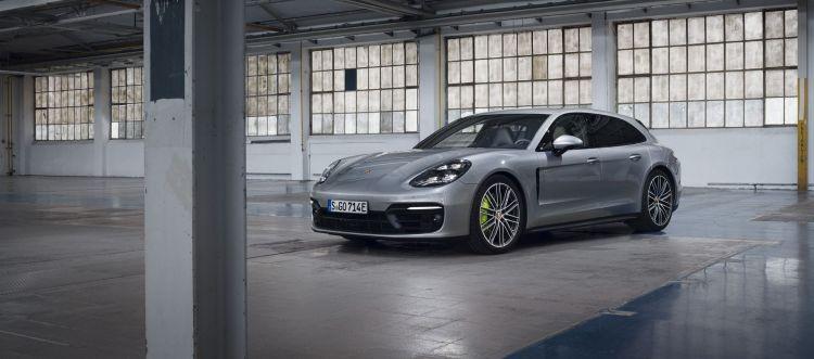 Porsche Panamera Turbo S 2021 P