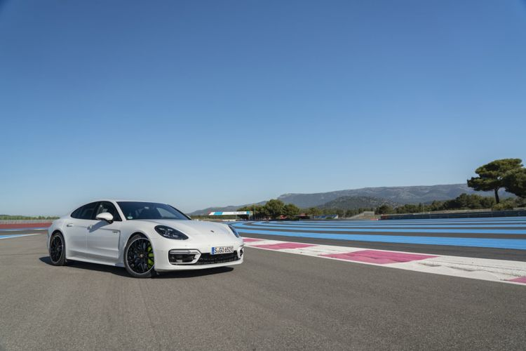 Porsche Panamera Turbo S E Hybrid Blanco Carrara 24