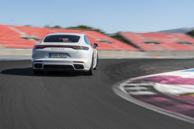 Porsche Panamera Turbo S E Hybrid Blanco Carrara 32