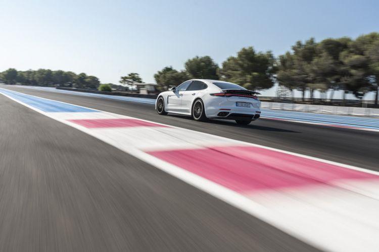 Porsche Panamera Turbo S E Hybrid Blanco Carrara 33