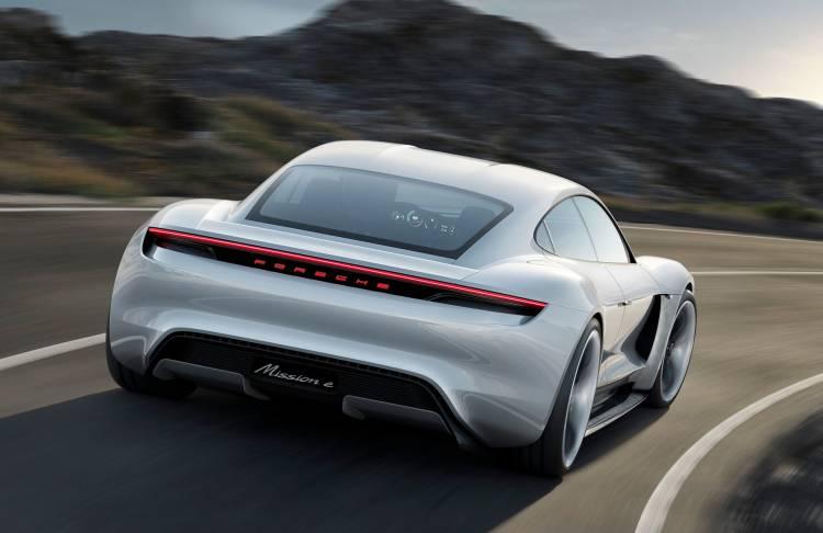 Porsche Taycan Adelanto 00