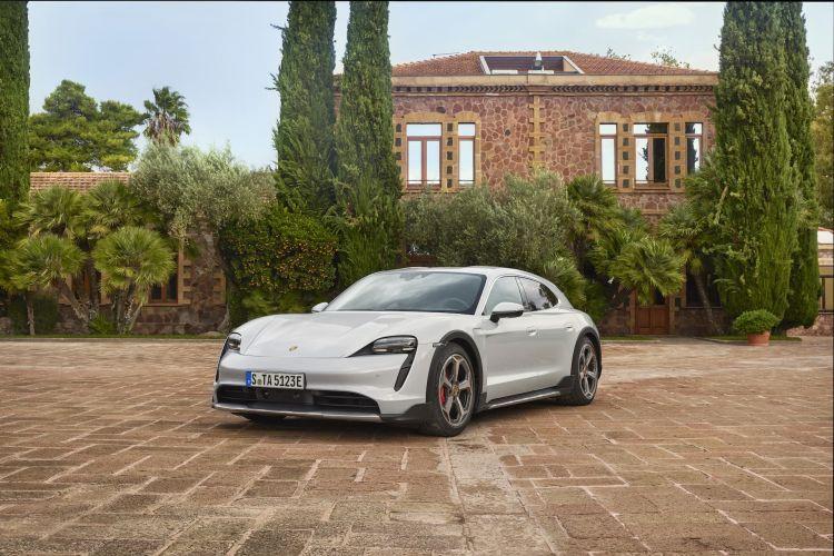 Porsche Taycan Cross Turismo Offroad Design 4
