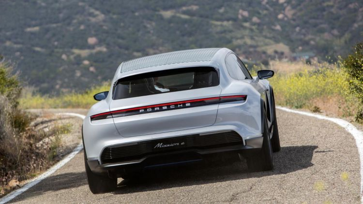 Porsche Taycan Cross Turismo Prototipo 01