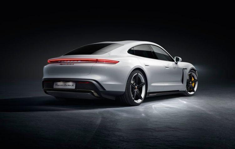 Porsche Taycan Exterior 00008