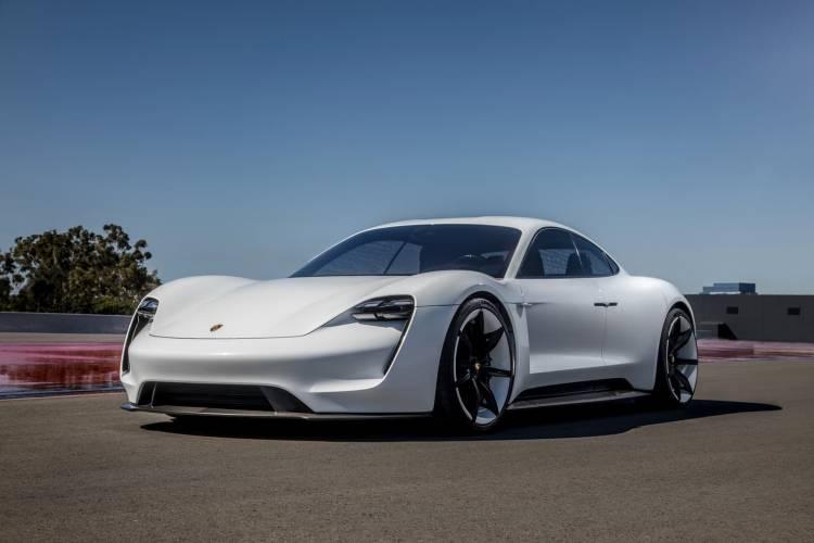 Porsche Taycan Mission E 0119 001