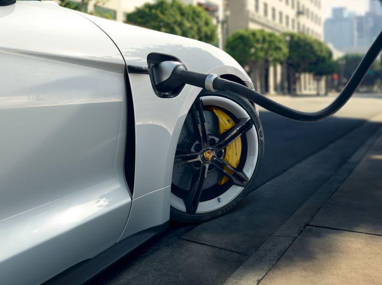 Porsche Taycan Recarga