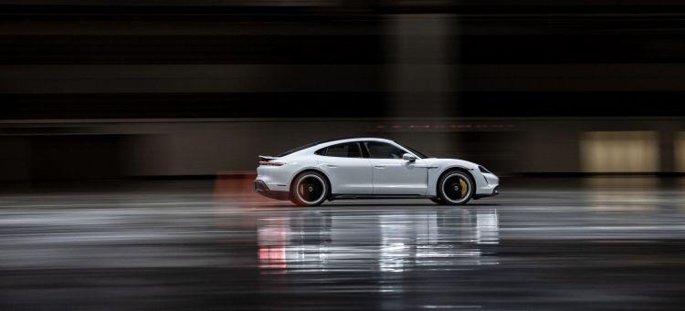 Porsche Taycan Record Interiores P
