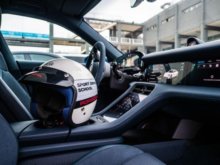 Porsche Taycan Valencia Cheste 7