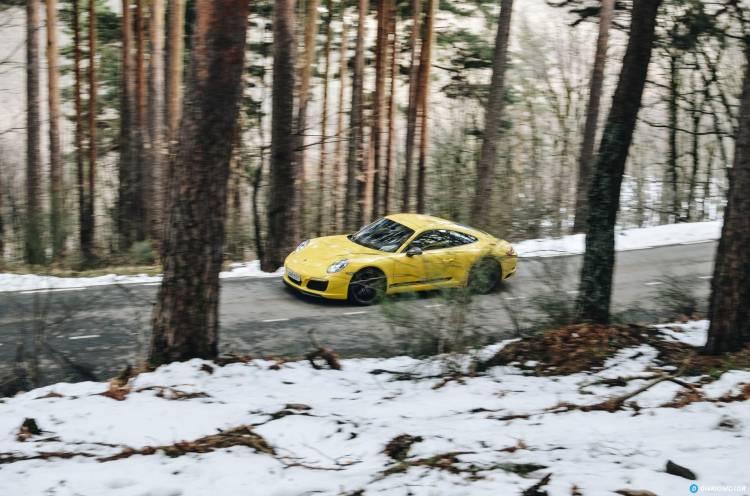 Porsche 911 Carrera 5 33
