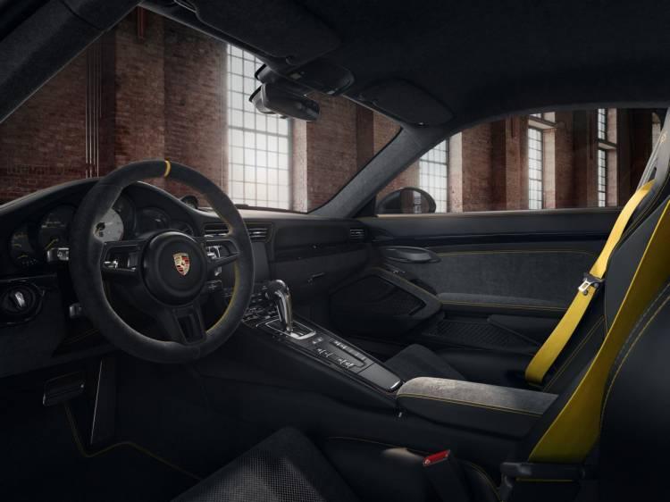 Porsche 911 Gt3 Rs Negro Llantas Doradas 1