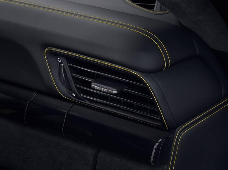 Porsche 911 Gt3 Rs Negro Llantas Doradas 2