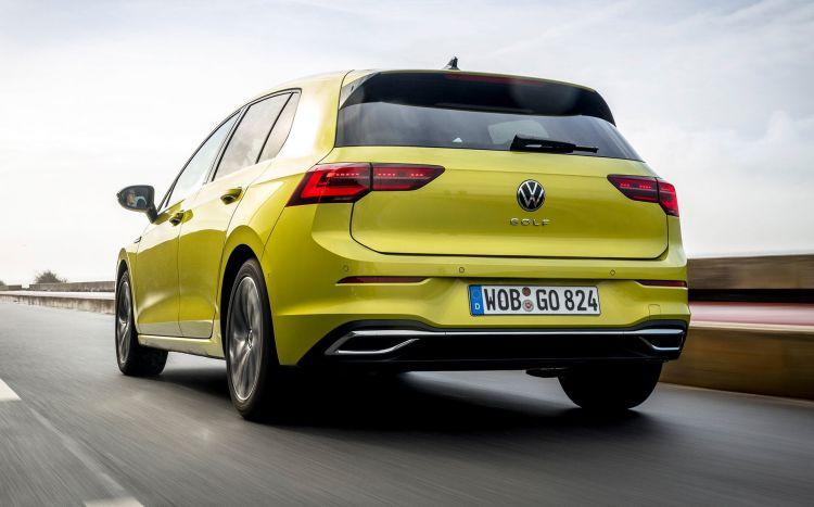 Precio Volkswagen Golf 2020 Amarillo Exterior Movimiento 01