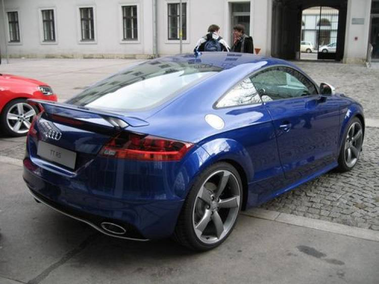 Audi TT-RS, precio orientativo e imágenes de su presentación