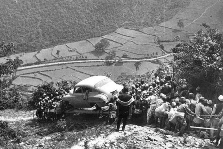 primer-coche-nepal-2
