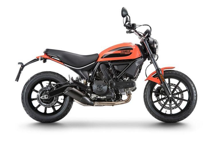 Primera Moto Carnet A2 Ducati Scrambler Sixty2