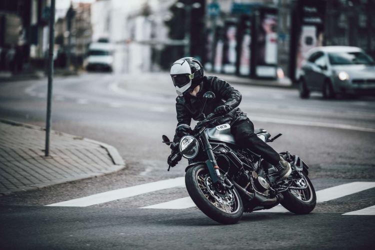Primera Moto Carnet A2 Husqvarna Vitpilen 401 2020
