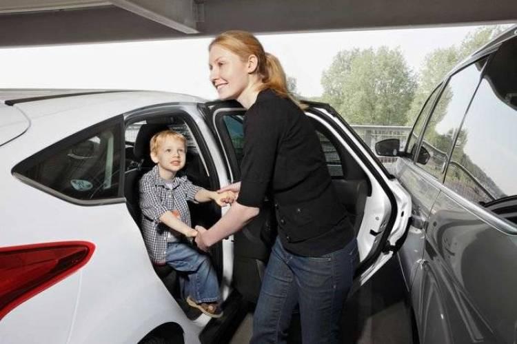 Door Edge Protector, la protección de Ford contra golpes en las puertas al aparcar