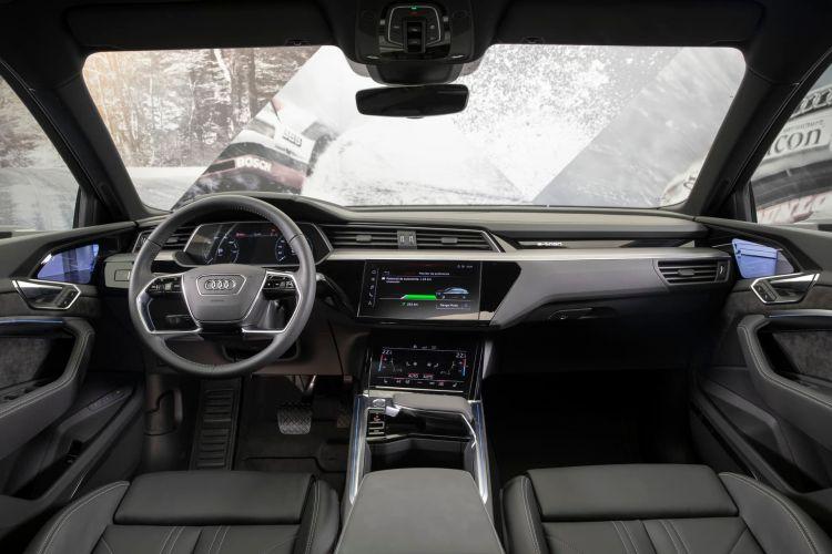 Interior Audi E Tron 55 Quattro 030