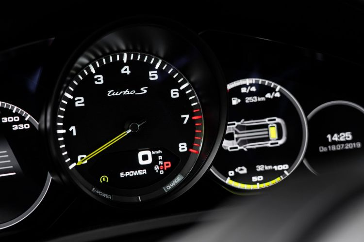 Prueba Porsche Cayenne Turbo S E Hybrid 32