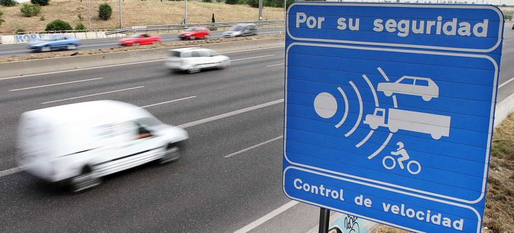 Radar Fijo Sentido Contrario Senal Autovia