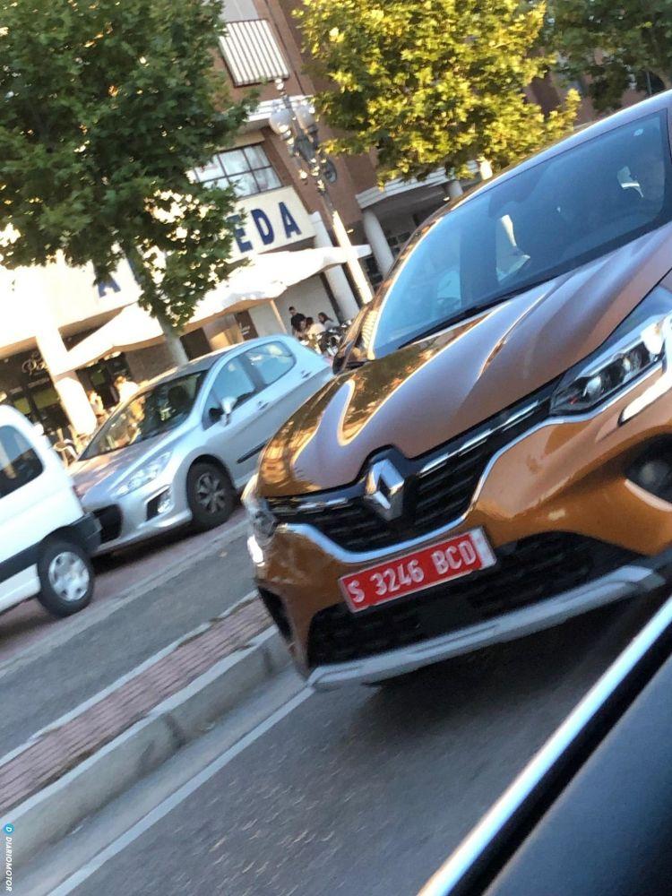 Renault Captur II (2019) 60