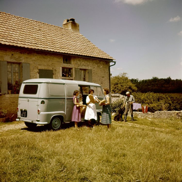 Renault Estafette 1959 01