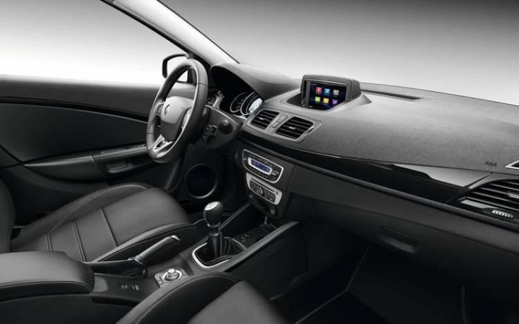 Renault Mégane Coupé-Cabriolet 2014: maquillaje y dosis de conectividad para el descapotable