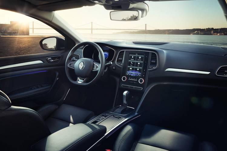 renault-megane-sedan-2016-08