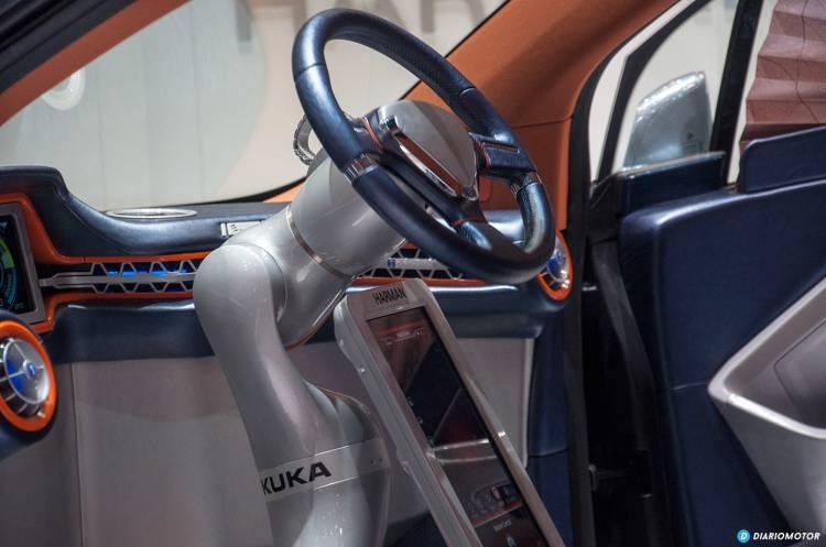 rinspeed-volante-coche-autonomo-mdm-04-1440px