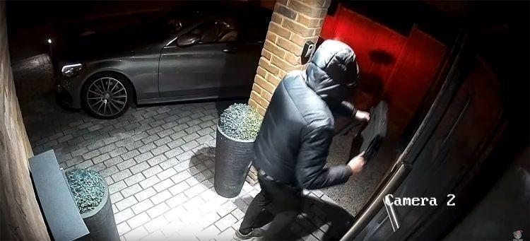 Robo Mercedes 20 Segundos Video