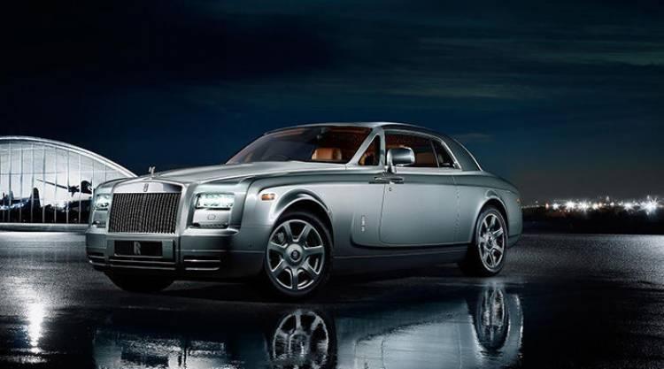 Rolls-Royce podría estar considerando ampliar su gama con un roadster y un SUV