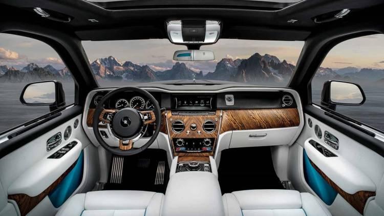 Rolls Royce Cullinan 0518 022