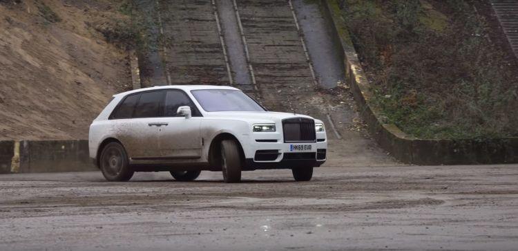 Rolls Royce Cullinan Drift