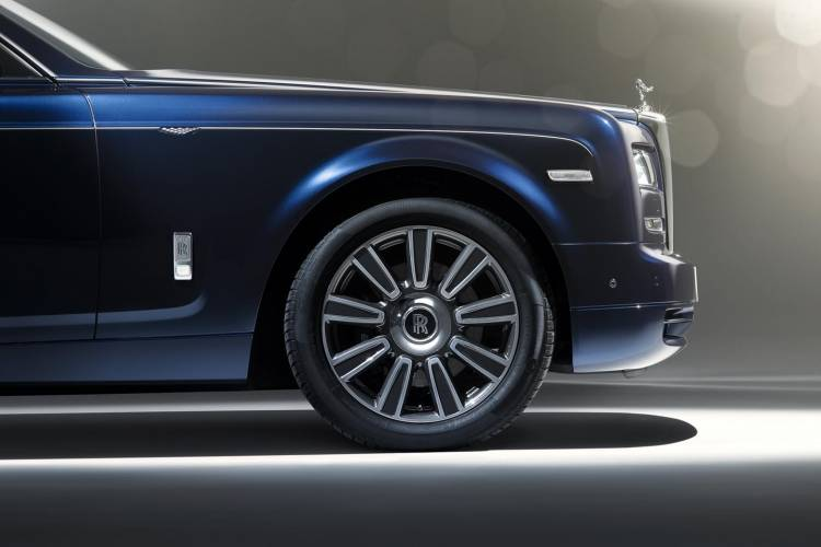 rolls-royce-phantom-limelight-collection-009