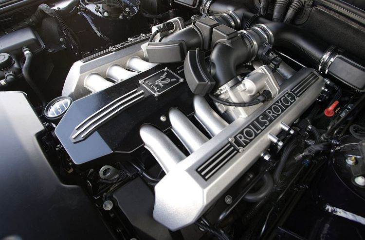 Rolls Royce Phantom Motor 0619 01