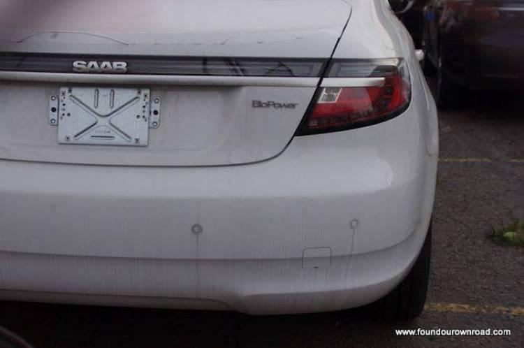 Los últimos Saab fabricados se pudren a la intemperie