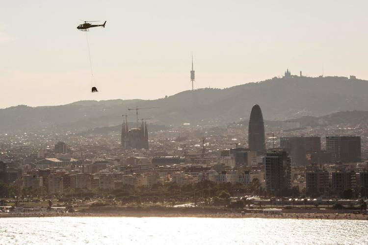 seat-arona-helicoptero-barcelona-video-02