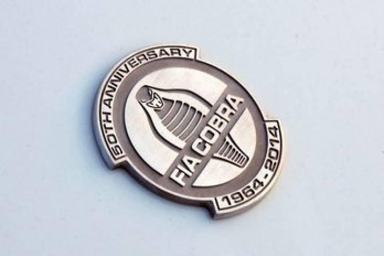Shelby Cobra 289 FIA, una edición especial 50 aniversario con elementos modernos